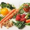 栄養士は生野菜350gに何を期待しているのか。栄養素?ダイエット?食物繊維?酵素?