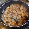 幸運な病のレシピ( 1485 )昼:ワラサ解体(100円)、身は麹漬け、カマはそのまま、ガラはワラサ大根