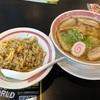 幸楽苑の塩ラーメンには半炒飯あたりが丁度良い感じのボリュームだ!!ここは一緒に食べておこうじゃ無いの!!