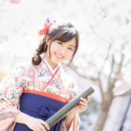 大学生活の記念日!卒業式に適した服装は?袴などの選び方とコーデ例
