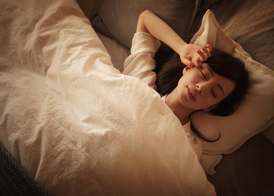 「8時間睡眠で健康」は昔の常識。日本人が知らない睡眠の習慣