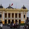 2つの黄色のオペラハウス