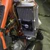 KTM125EXCにラジエーター冷却ファンを装着する