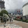 神戸三宮駅越しに六甲山が見えました。