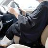 僧衣で運転はダメに決まってるでしょうがっ。仏教界が調子に乗って、僧衣で縄跳び。君は馬鹿かね?