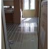 上棟27日目~1階にも床暖房パネル、ドアの枠を付ける作業中~
