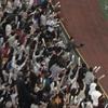 ホームランを幻にした少年を気づかう山田哲人は本物の野球人だ。