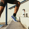 足関節の可動性(足関節可動性(AM:ankle mo-bility)、特に背屈は、正常な歩行にとってきわめて重要になる)