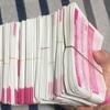 乃木坂46の握手券を1000枚持つ神の手