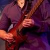 ギターのピッキングの角度