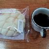 コーヒーとメロンパン