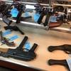 アンティーク・ショップに拳銃やライフルがこれでもか!って並んでいました。
