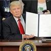 トランプ米大統領、メキシコ国境沿いに壁 大統領令に署名