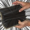 職場で、誰かに財布から金を盗まれたと思ったら、警察に頼んで、職場の人達から指紋採取してもらうことはできるのか?