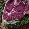 【糖質制限の節約術】安いお肉は格安ワインに漬けるとおいしくなる!