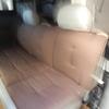 ファミリーワゴンSSのベット展開:座席マットを活用