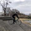 今日は自転車で
