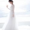 """白石麻衣、幻想的な""""純白ドレス""""披露 卒業記念本の裏表紙カット公開"""