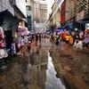4連休最後の日は、朝プラトゥーナム市場を散歩です。