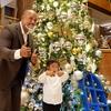 ラミレスファミリーが横浜ベイシェラトンのクリスマスツリー点灯!チャリティーオークションも