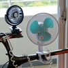 首振りのできるクリップ扇風機(9cm扇と18cm扇)