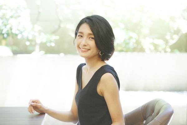 輝かしい「ニコラ」モデルから、「息するトルソー」へ 広告モデル・日笠麗奈が乗り越えた葛藤