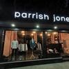 スクンビットのショップ(Parrish jones)セールしてるけど、閉店か?