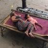 目覚めすっきり!カチカチの床で眠る健康法