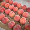 スモモも桃も桃のうち。直売所「浅間のかおり」へ調達に。