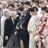 天皇陛下、伊調馨選手ねぎらう…園遊会に2千人