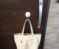 ライフハック|強力マグネットフックの有効活用法⇒玄関ドアに設置!