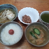 胡瓜の味噌汁とモヤシの煮付け