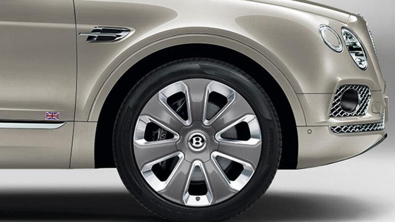 ベントレーが誇る高級SUV、ベンテイガに寄木細工を取り入れた日本限定10台の特別仕様車登場