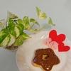 バレンタインに向けて練習中。ダイソーのシリコン製の型で焼きドーナツ