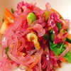 ピンクの春雨でソムタム風サラダ。1歳11カ月児のママ愛が止まらない。