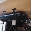 MacBook Proを天板裏に設置して机をすっきりさせる