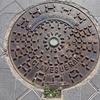タラゴナのマンホールの蓋(2)