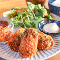 【白山】牡蠣好き必見!ランチでもディナーでも一年中牡蠣が楽しめる「牡蠣酒場 帳-ToBaRi-」がオープン!【NEW OPEN】