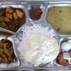 インドの激安定食の定番!ベジターリーは75円で食べ放題!?そしておっちゃんに感動して見つけた幸せとは。