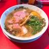 京橋の丸岡商店でラーメンを食べてきました