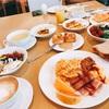 ホテルオークラのテラスで美味しい朝食