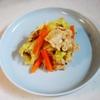 電子レンジで肉野菜炒め。お肉も野菜も柔らかい。