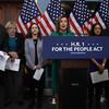 米下院、選挙改革法案を可決 郵便投票の拡大など図る 民主党議員が造反