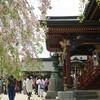 神社、グローバルとは無縁