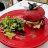 マーベル展のコラボカフェで「マイティソースバーガー」を食べてみた