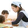 【千葉県 流山市(流山おおたかの森駅)】 8:45~15:30固定時間勤務・子育て中の方も歓迎の乳児クラス保育士補助の求人です ~保育士資格取得を目指している方も歓迎です~