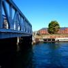 ミニチュア風写真「新港橋と赤レンガ倉庫とボート」