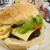 セブのヘルシー&ベジタリアン料理のお店でベジバーガーを食べてみたら和菓子のアレが入っていたΣ(・ω・ノ)ノ!