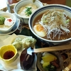 昭和レトロな雰囲気が漂う創作料理店「和彩食堂 あけぼの」で川根名物のランチ