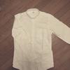【ミニマリスト】定番の白シャツ:UNIQLOのダウンボタンシャツ